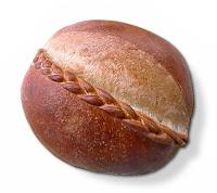 Örgülü yuvarlak somun ekmek
