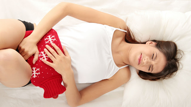 Cara Mengatasi Kram Menstruasi dan Penyebabnya