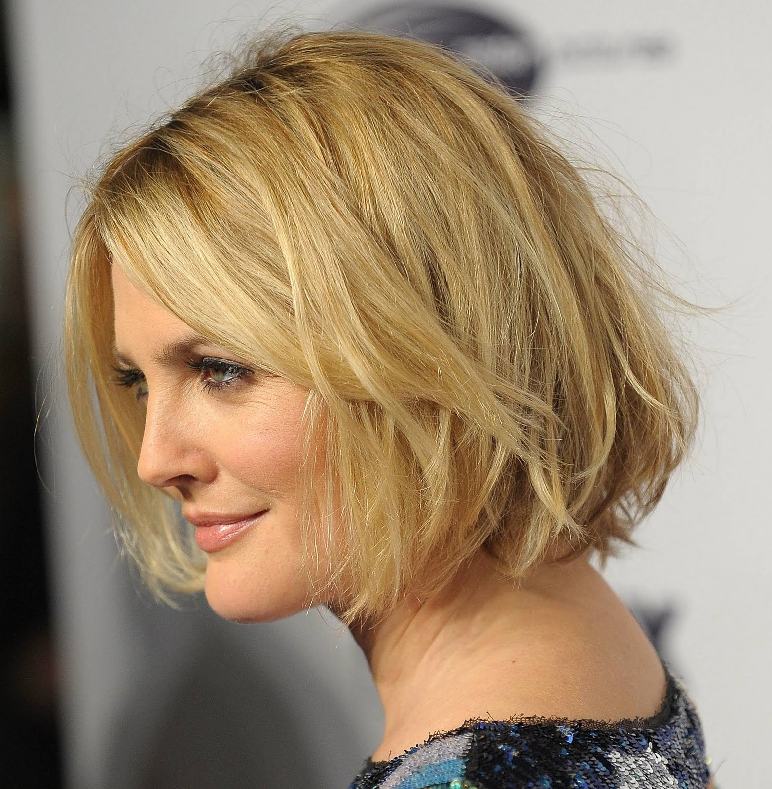 short hairstyles 2014: celebrity wavy bob hairstyle pics