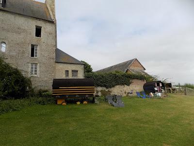 gypsy caravans at chateau monfreville