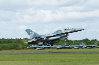 Pesawat Tempur F-16