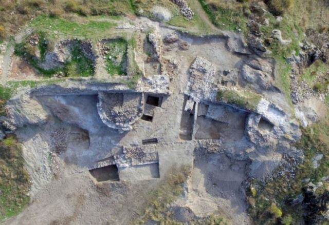 Ivory icon, rare Byzantine gold coin found at Bulgaria's Rusokastro fortress site