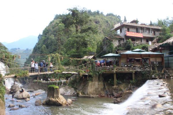 น้ำตก หมู่บ้านกั๊ตกั๊ต