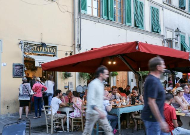 frühstück bei Emma - Straßenszenen in Florenz Osteria