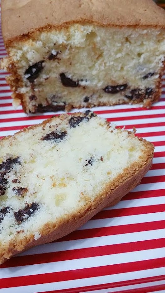Old fashioned Pound Cake with Chocolate Chips ~ Life can be simple