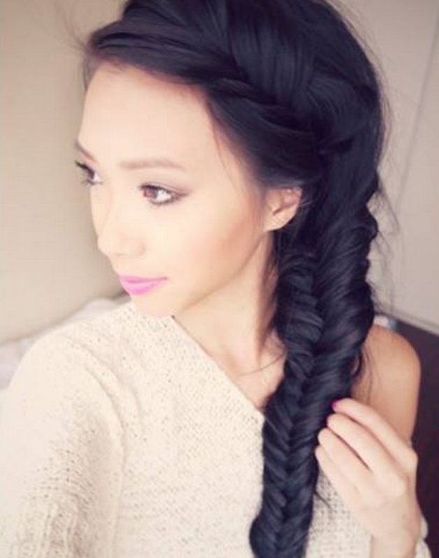Messy Fishtail Side Braid: Hair Tutorial