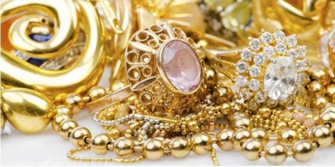 Lebaran dan Tradisi Membeli Emas dari UD Paju Marbun