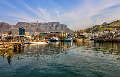 Copyright Vernon Chalmers: Table Mountain from the V&A Waterfront Cape Town