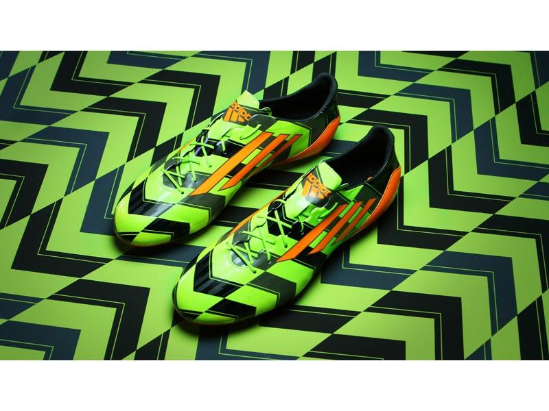 Crazylight Mondo Al Calcio Leggera Adidas Da Introduce La Scarpa Più TOp6q5nR