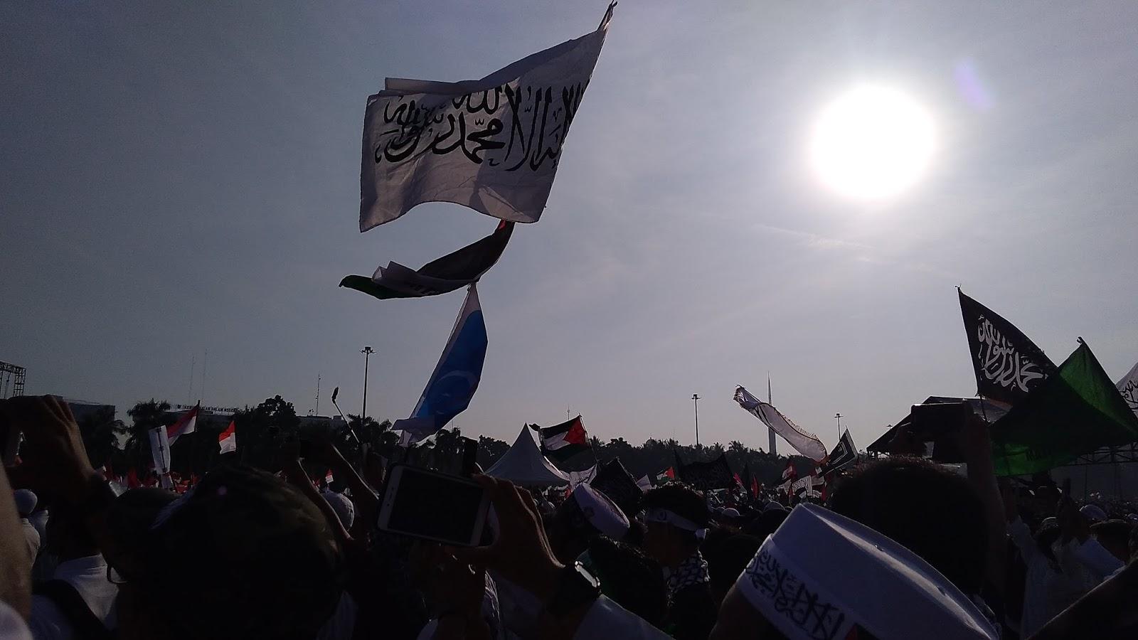 Aksi 115, Ini Doa Mengharukan Umat untuk Habib Rizieq Syihab dan Ustadz Abdul Somad