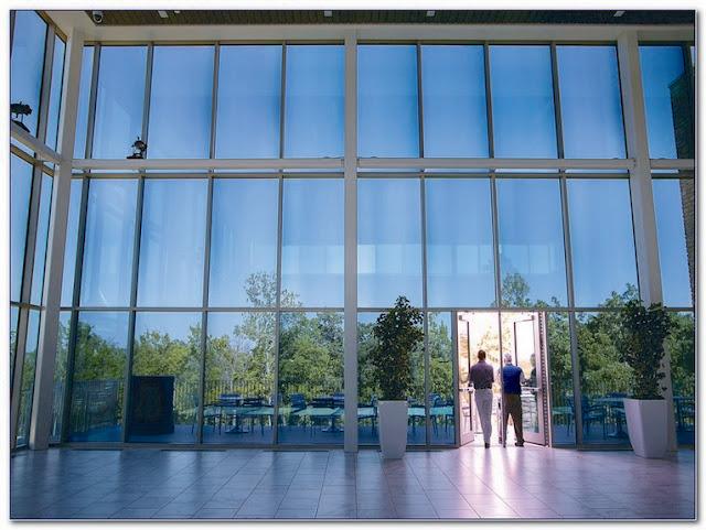 Electric Polarized GLASS WINDOW