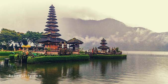 Ulun Danu Beratan Temple, A Whole Day Bali Jatiluwih Rice Terrace and Tanah Lot Temple Tour