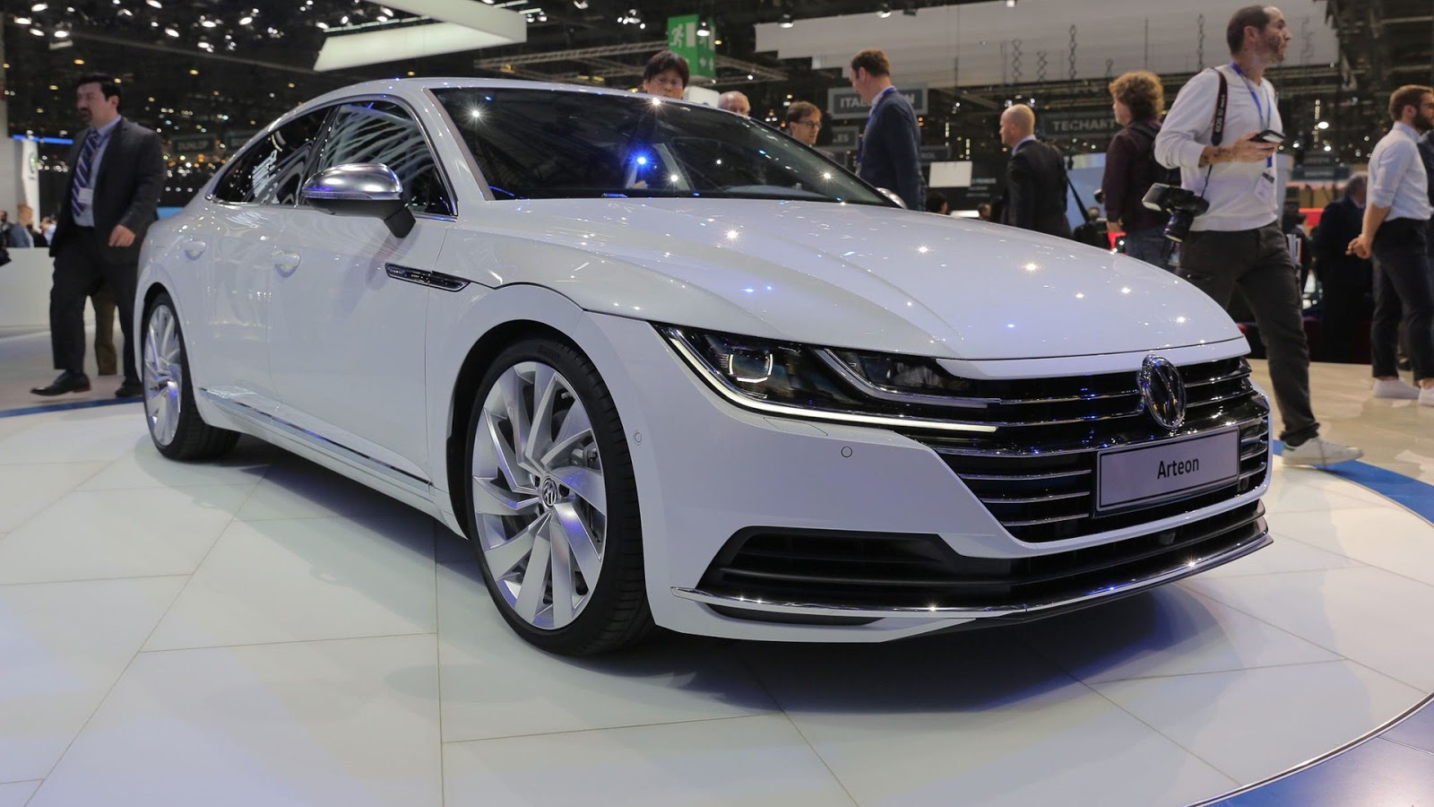 cars review concept specs price volkswagen arteon tsi 280 r line 2018. Black Bedroom Furniture Sets. Home Design Ideas