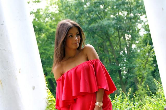 Lady in red  - Czytaj więcej