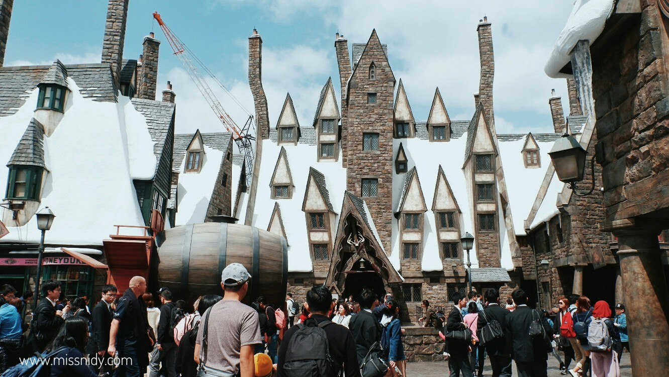 hogsmeade in wizarding world of harry potter japan