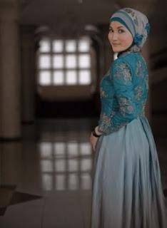 Kebaya Modern Muslim Untuk Wisuda Favorit Mahasiswi