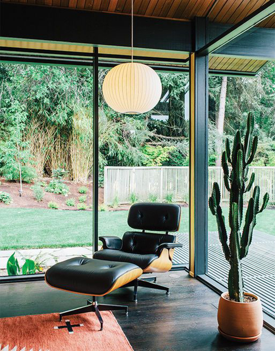 The Peak Of Tr 232 S Chic Admiring A Classic The Eames