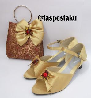 Tas Pesta dan Sepatu Pesta Gold Model Tenun India Cantik