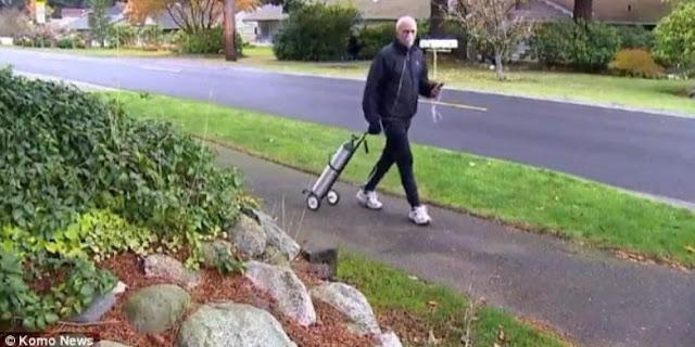 Kakek 62 Tahun Ini Ikut Lari Maraton Sambil Bawa Tabung Oksigen