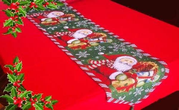 camino-de-mesa-navideno