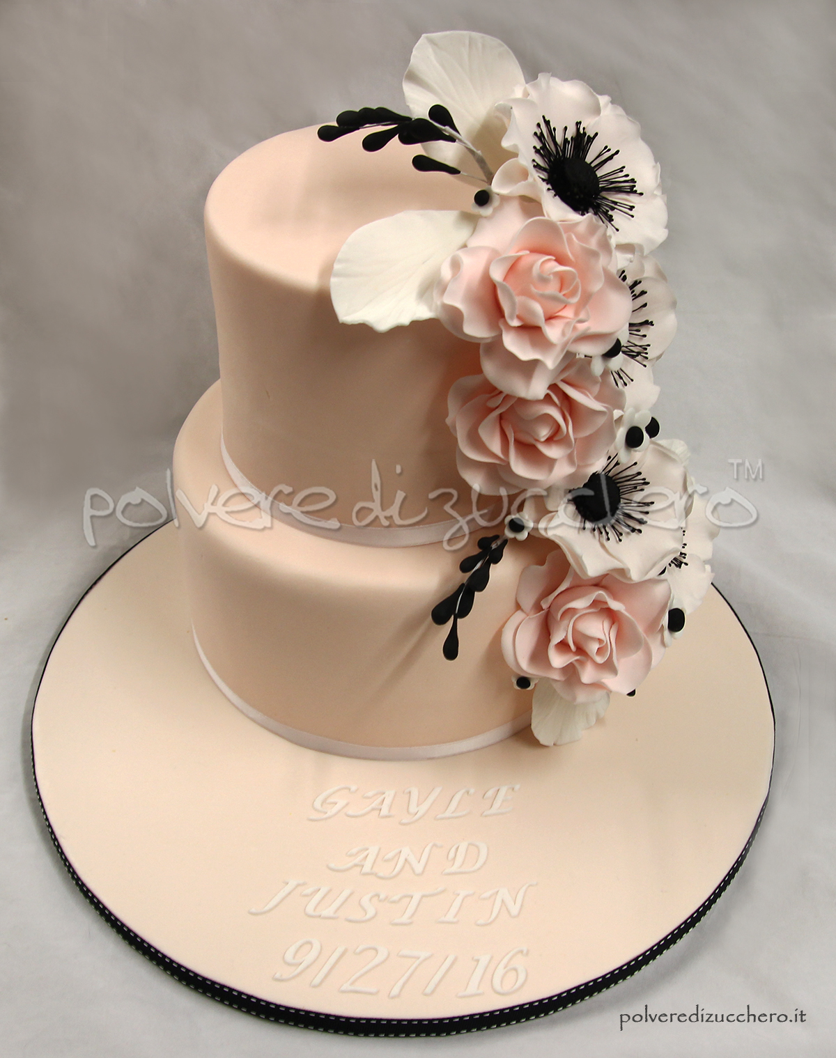 Wedding cake: torta nuziale con rose ed anemoni in pasta ...