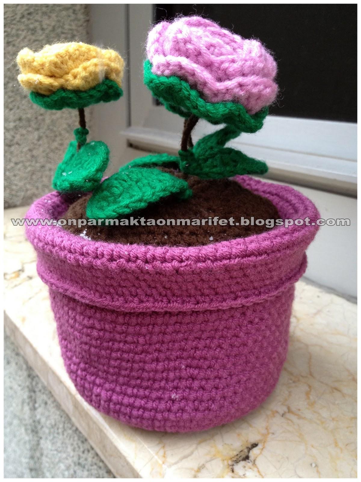 AMİGURUMİ SAKSIDA ÇİÇEK YAPIMI(Crochet making flower in flowerpot ... | 1600x1200