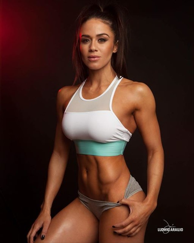 Fitness Brittany Coutu Instagram photos
