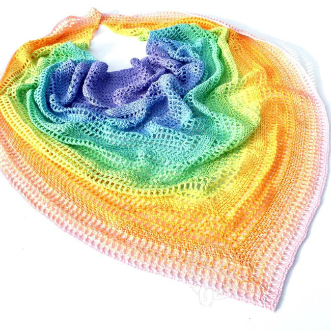 Crochet pattern, Scheepjes Whirl. Candy shawl, by Jellina | Happy in Red