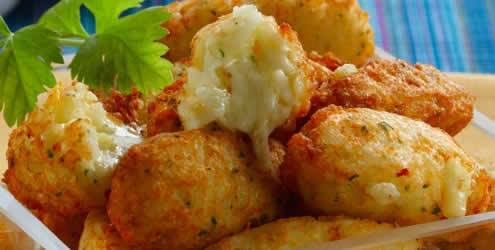receita-de-bolinho-de-batatas-com-queijo