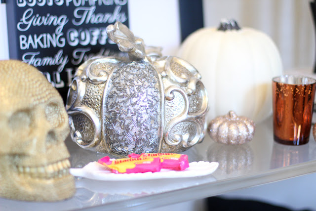 entryway table halloween decor
