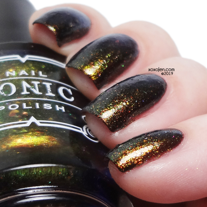 xoxoJen's swatch of Tonic Off the hook