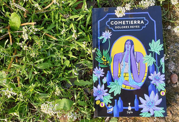 «Cometierra» es una primera novela insólita