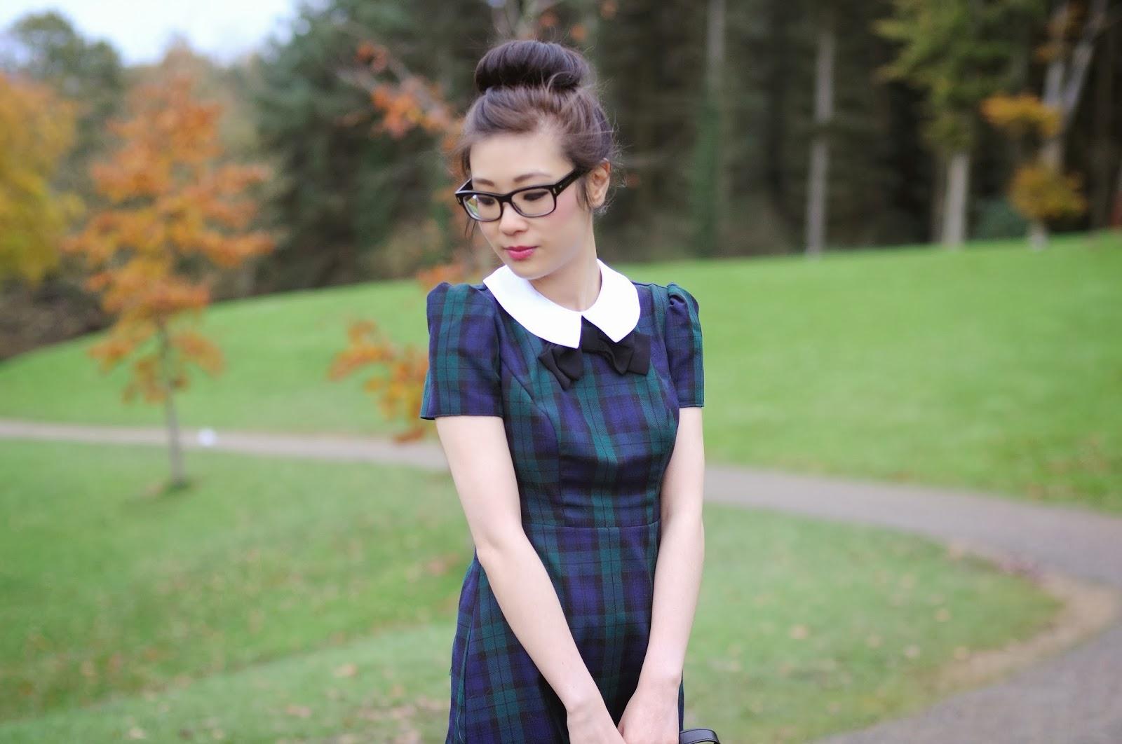 Ways to style a tartan dress, how to wear a tartan dress