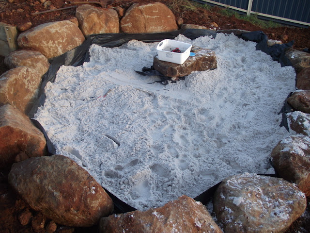 Toddler sandpit
