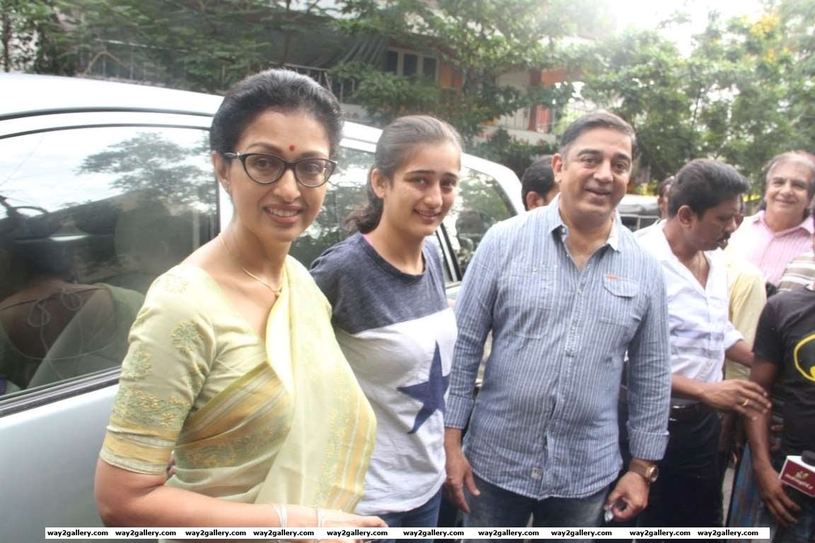 Kamal Haasan also turned up at the polling booth with partner Gautami and younger daughter Akshara
