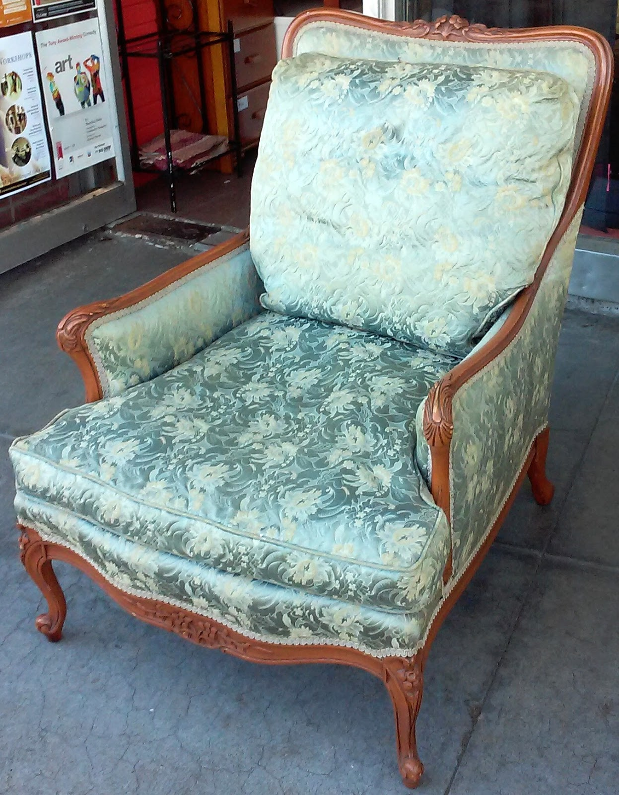 Uhuru furniture collectibles sold futorian vintage for Vintage parisian lounge