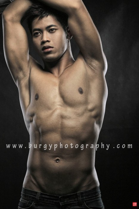 Indonesian naked male model with big dick — pic 14