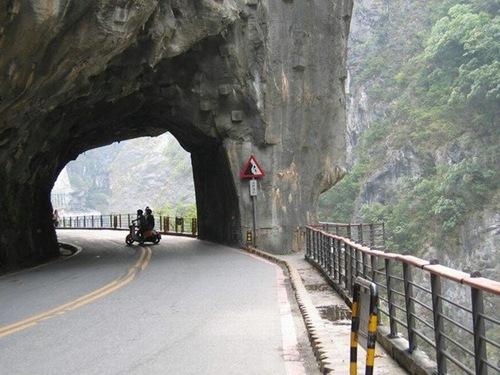 guoliang tunnel china