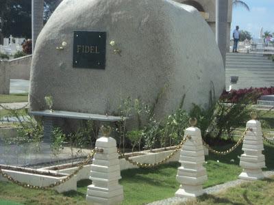 Monumento a Fidel Castro en Santa Ifigenia