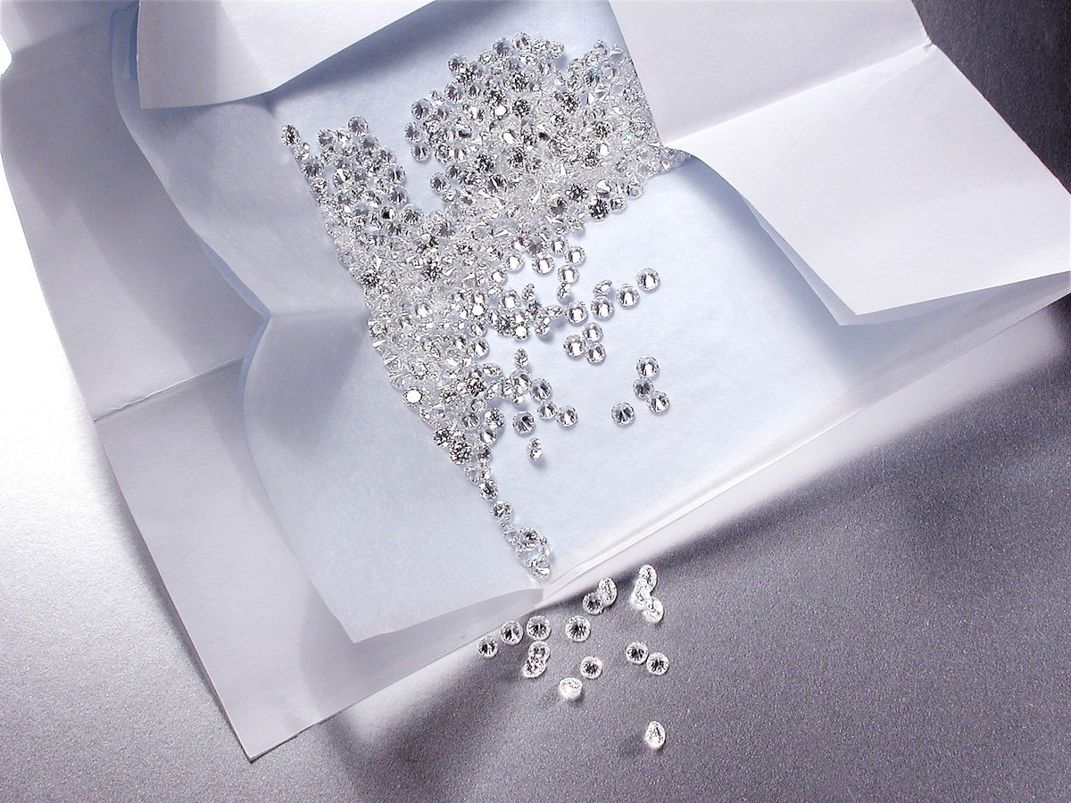 In 2012, More Than 600 Diamonds in a Single Parcel Submitted to IGI were Found Out to be Man-Made / Lab-Grown Stones.