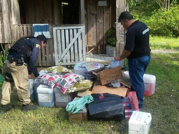 Falsos guincheiros são presos por roubar produtos durante acidentes