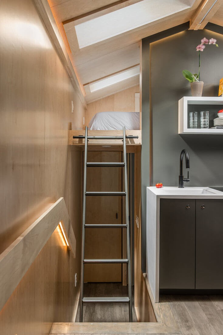 07-Ladder-to-King-Size-Bedroom-New-Frontier-TH-Architecture-The-Orchid-Tiny-House-www-designstack-co
