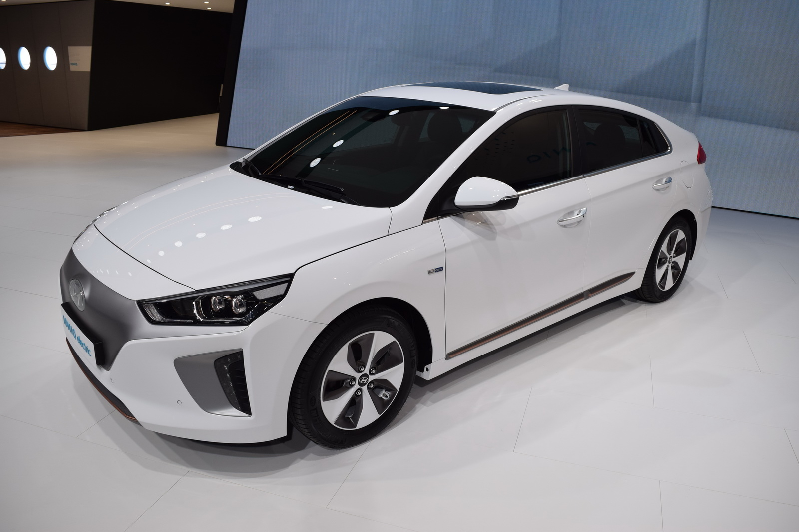Hyundai Showcases All Three Ioniq Models In Geneva
