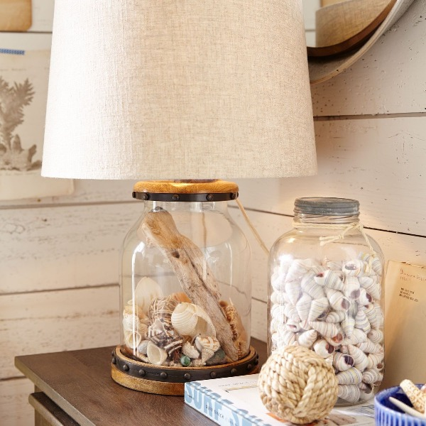 Coastal Beach Seashell Decor Display Ideas