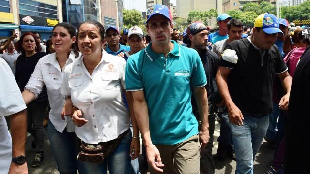 Capriles advierte que gobierno quiere usar presos para reprimir protestas (Video)