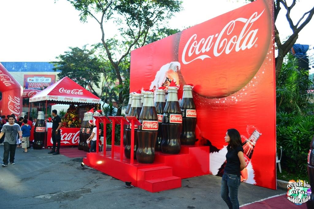 Coca Cola And Araneta Giant Christmas Tree Lighting 2011
