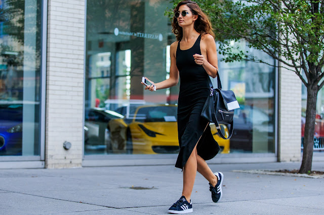 abbinamento abito lungo e sneakers come abbinare le sneakers long dress and sneakers how to wear long dress and sneakers tendenze estate 2016 summer 2016 trend mariafelicia magno fashion blogger street style