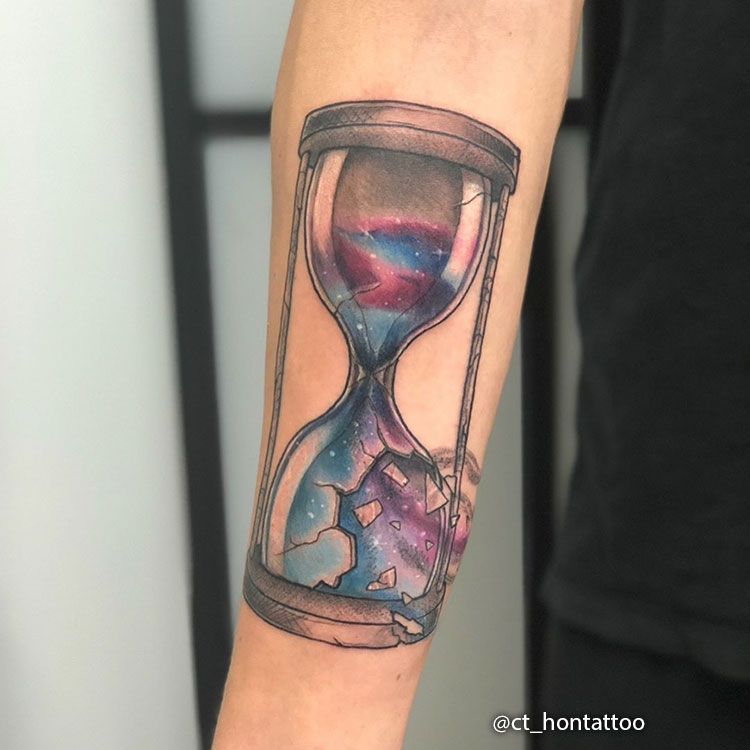 Tatuaje de reloj de Arena Roto
