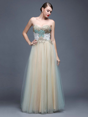 A-line Sweetheart Sweep Train Tulle with Appliques Lace Prom Dresses