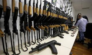 Secretário de Segurança do Rio propõe que porte de armas de uso exclusivo vire crime hediondo